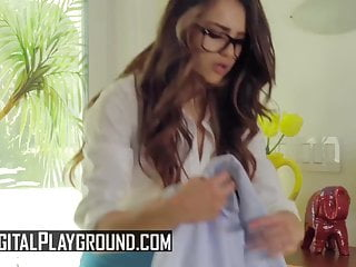Teen Small Tits Kissing video: Sofie Reyez, Gabriela Lopez - Licking His Mistress - Digital