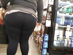 Fat Latina Botty in Tights (Candid)