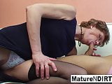 Mature slut gives a thumbs up to his fucking skills