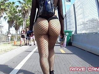 Brunette Big Ass Babe video: Candid Crazy Hot Phat ass on Latina OMG !!