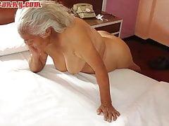 HelloGrannY Pussies Latina pelosa catturata