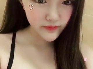 Asian Hidden Cams video: 18 year old chinese
