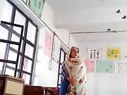 Pakistani School teacher mms leaked
