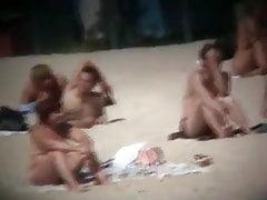 Nackte Teenager am Strand spionieren