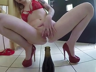 Soo FUCKING HOT BABE IN RED HEELS PEE by FetishGreg88