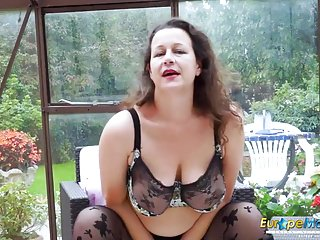 Masturbation Sex Toys Old Nanny video: EuropeMaturE Busty Milf is Playing with Boobs