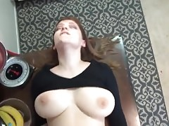 Big Tit amateur follada duro en casa