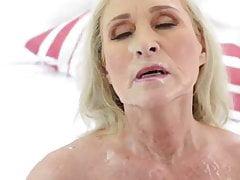 Babcia wytryskuje Katię