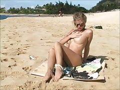 Carli - nude per i voyeur