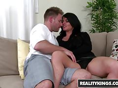 RealityKings - Milf Hunter - Jade Steele Levi Cash - Hard Fo