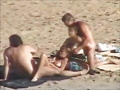 Gruppensex am FKK-Strand