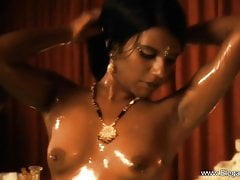 Bollywood Bronze Beauty Babe e MILF