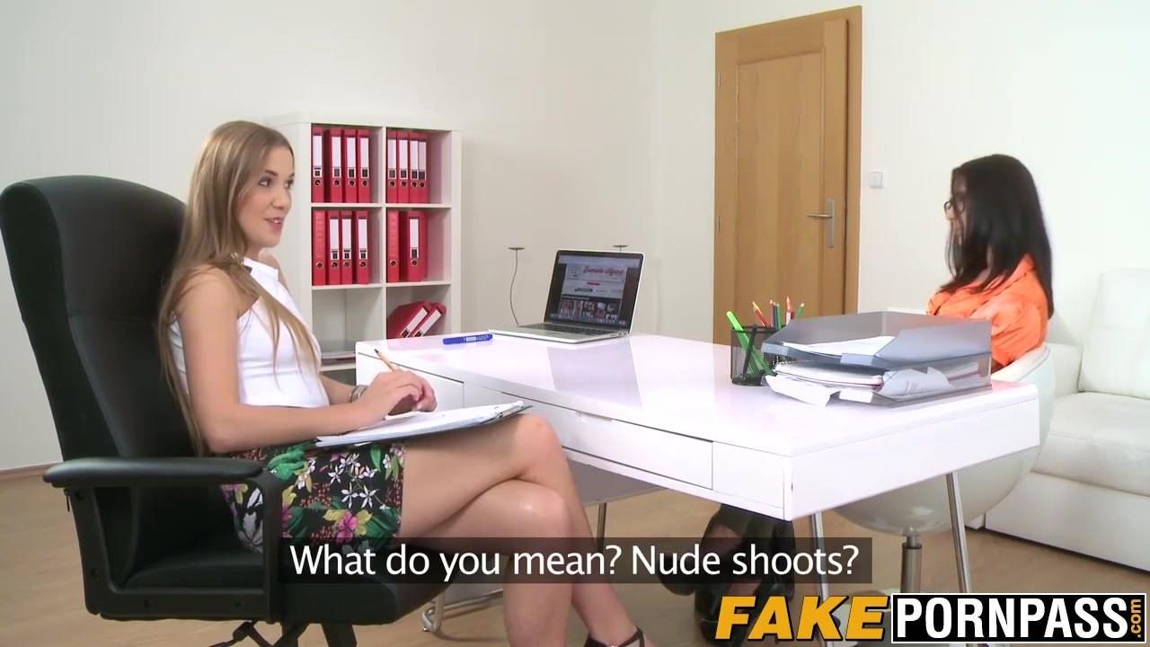 Смотреть порно молодой транс онлайн