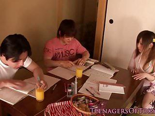 辮子日本青少年感受到朋友們