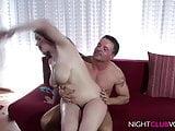 Dicke Titten, haarige Pussy