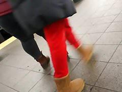 Blanco BBW Pawg en la estación de tren, pt.2
