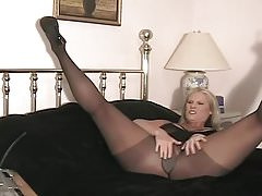 CHARLEY WEBCAM LEG MILF 2