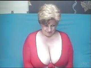 Brunette Big Tits Granny video: Gilf