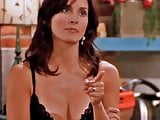 Courteney Cox - Friends (cleavage)