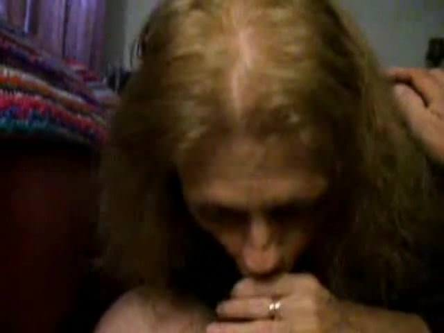 Натягивает рыжую порно онлайн