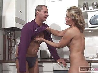 .Der Mittagsfick Hausfrau.