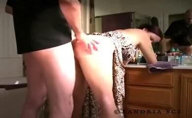 Парень с девушкой трахаются по скайпу