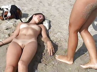 Softcore Flashing Beach video: Nude Beach Beautiful Girls