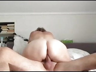 Wife Creampie Eating Pussy video: Amateur wife tricks friend into eating cum
