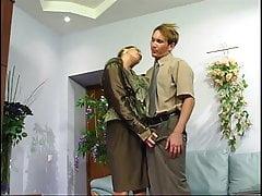 Rosyjski szef uwieść młodego chłopca - Helenę