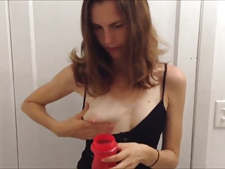 This mother try to squeeze milk out of her tits but failed