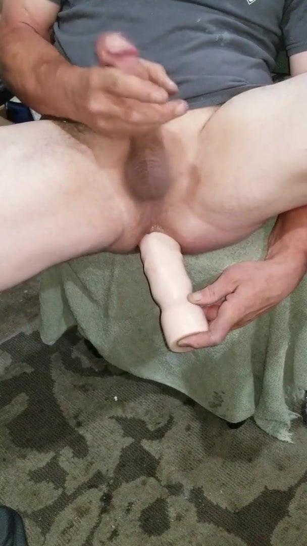 Ass streaching and cumming