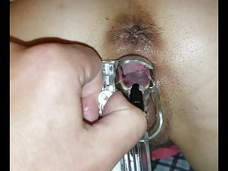 Amateur Hardcore Mature vid: Inspecting her vaginal walls and cervix with speculum