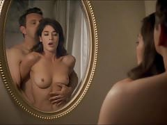 Lizzy Caplan Scena nuda in Masters Of Sex ScandalPlanet.Com
