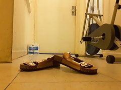 Treten Sie auf Schuhe