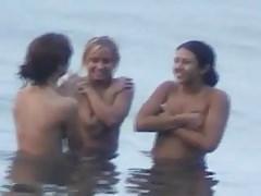 sujetador de playa de adolescentes