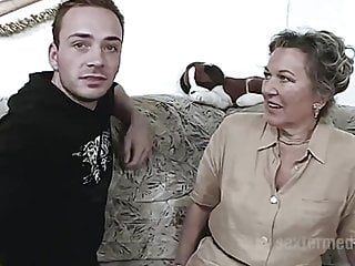 German Sex Orgasms video: Sex im Seniorenheim