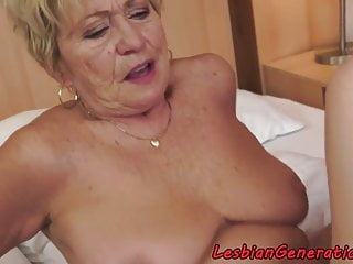 Curvy granny pussylicks tight cutie