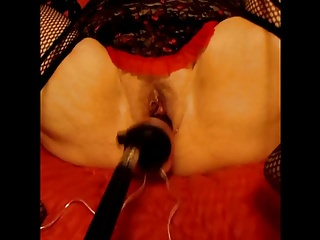 Amateur Sex Toys Hd Videos video: Sweet Sexxy Dee and her SEX MACHINE!