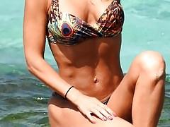Śliczny slip bikini w stylu cabdid