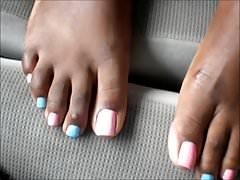 Kapturki MILF Blue & Pink Toenails