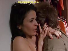 Maria Conchita Alonso Nude Boobs e Capezzoli nel film catturato