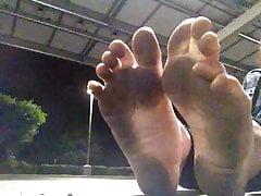 Brudne stopy