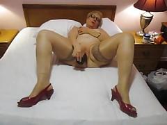 Teta Sue bbc masturbuje hold