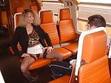 La MILF et le puceau dans le train