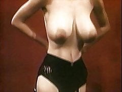 NATURAL WOMAN - vintage 60s huge tits striptease