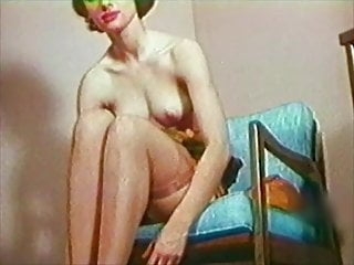 BOBBY'S GIRL - Vintage 60s stockings tease