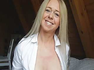 i am kim hot milf from germany. huge tits huge labia lipsPorn Videos