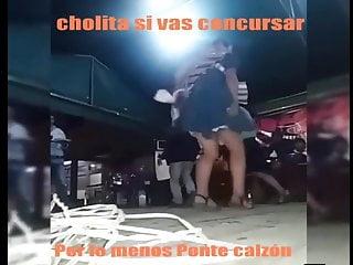 CHOLITA BAILANDO SIN CALZON