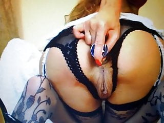 anal plug insertion