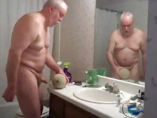 Grandpa bear cantaloupe melon bathroom kinky...